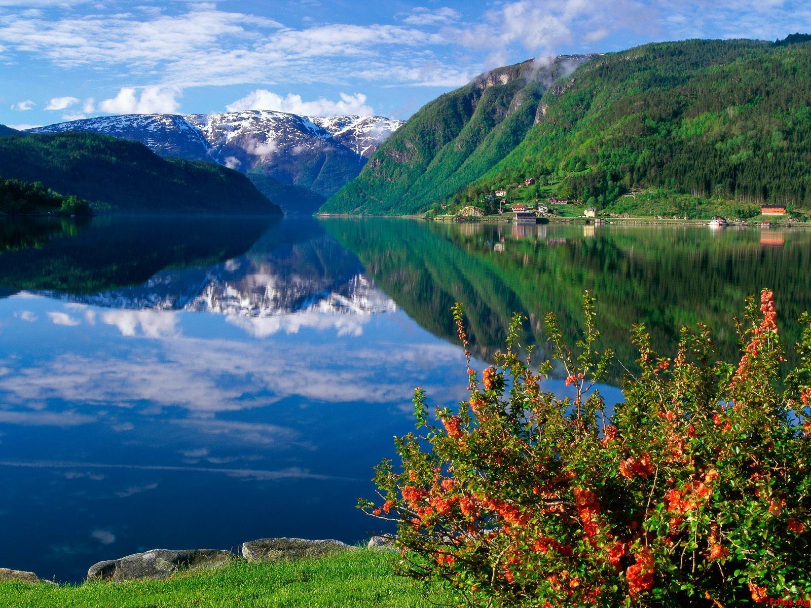 2-hardangerfjord-bergen